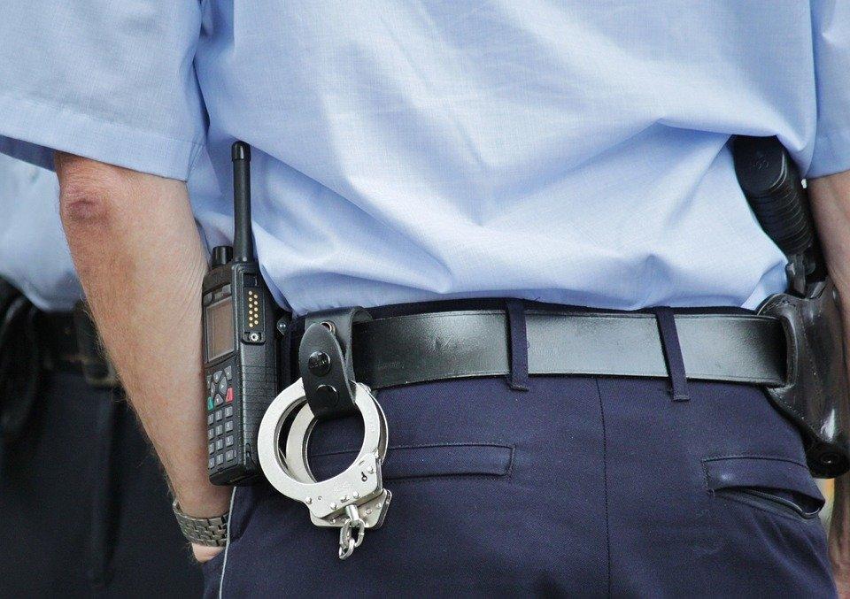 Sanción, Policía, Guardia Civil, juicio penal, suspensión provisional